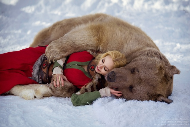 girl_and_bear_03