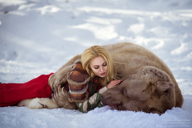girl_and_bear_04