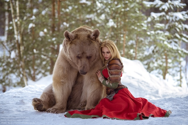 girl_and_bear_07