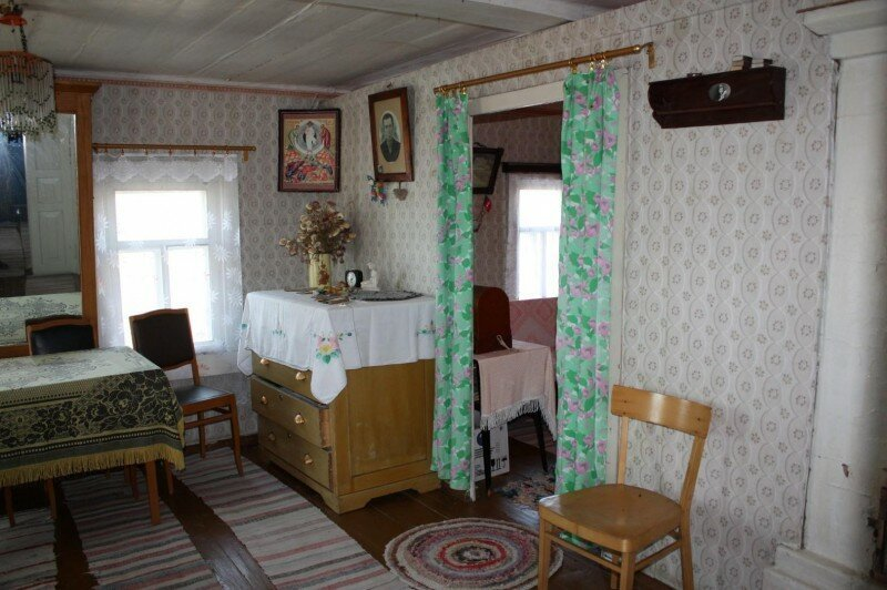 Russian Village Interiors: All Made By Babushkas