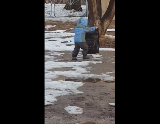 Russian Savvy: How To Keep Boots Clean On a Dirty Path