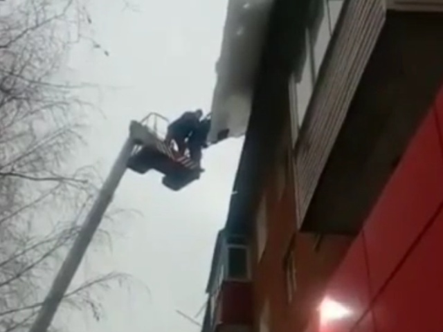 Cleaning Snow isnt That Easy [video]