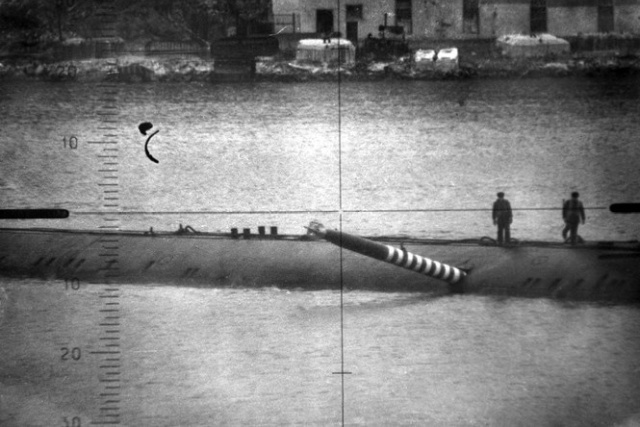 How Did Real Torpedo stuck in Soviet Submarine Hull?  [3 photos]