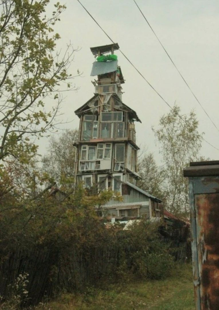 Structure Made From Scrappy Trash: When Crazy Becomes Amazing