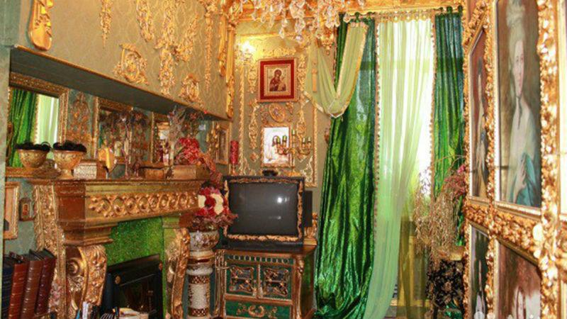 Hellish Charm Of Russian Apartments