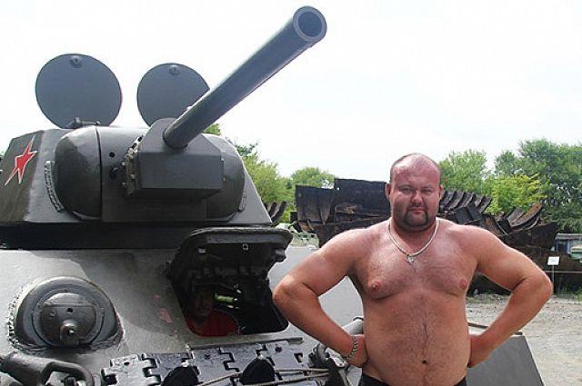 Russian Hulk Sets a New Record