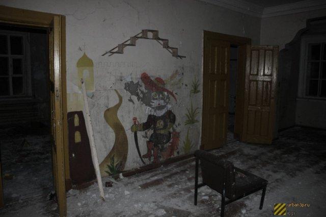 Грусть и запустение на острове Диксон (55 фото)
