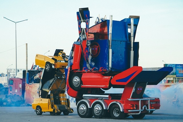 Russian Versions of Bumblebee and Optimus Prime