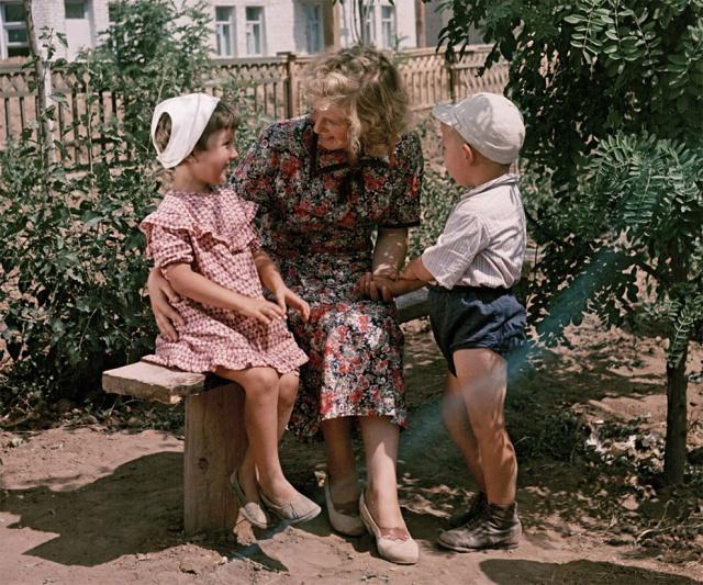 Жизнь советских людей. Фотографии Семена Фридланда (49 фото)