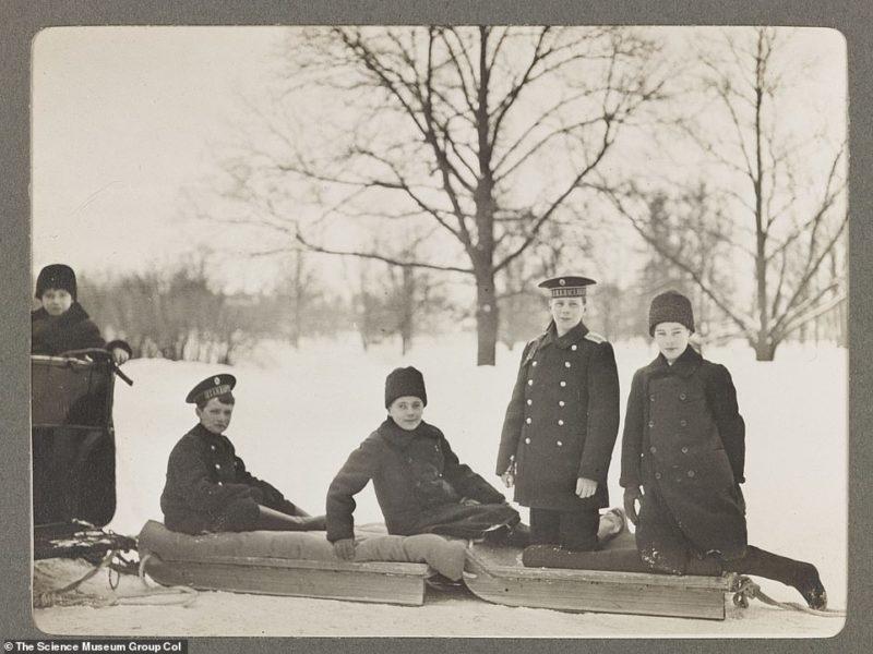 Modest Life of the Royal Family of the Romanovs: Rare Photos