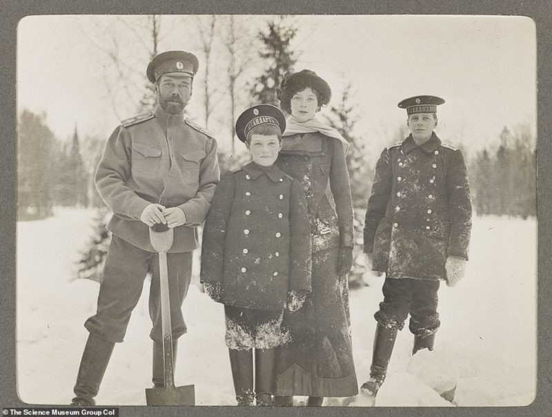 Modest Life of the Royal Family of the Romanovs: Rare Photos