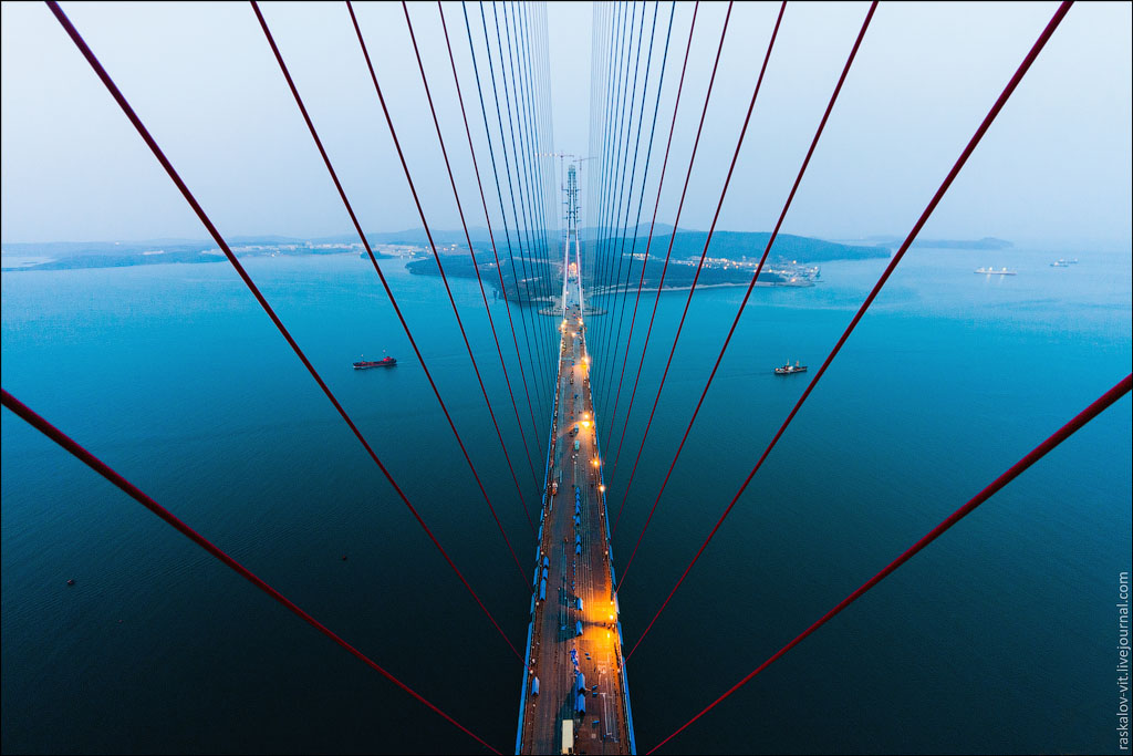 Dizzying Photos of Vladivostok Taken by Moscow Roofers