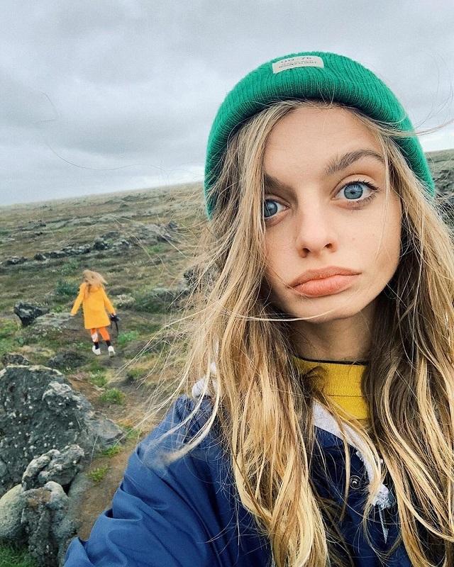 Maria Oz - the Girl With Amazingly Big Eyes