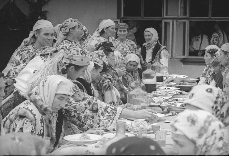 Oh, Those Soviet Wedding Feasts!