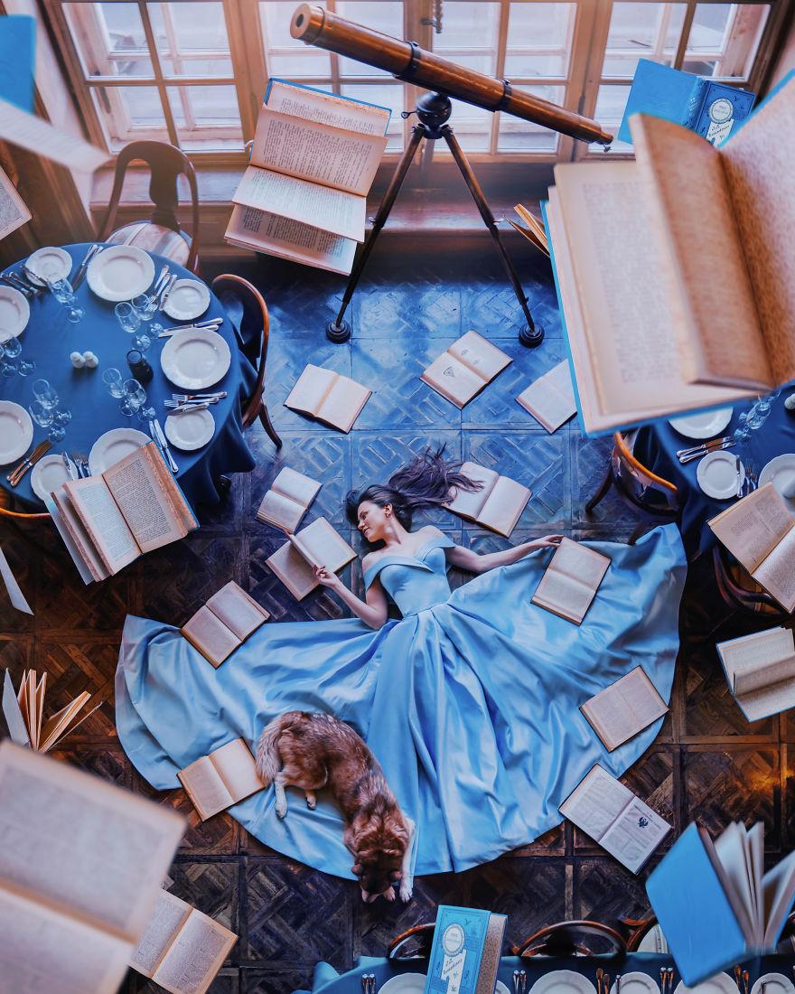 Фотограф снимает девушек в потрясающих платьях в самых подходящих для них местах (60 фото)