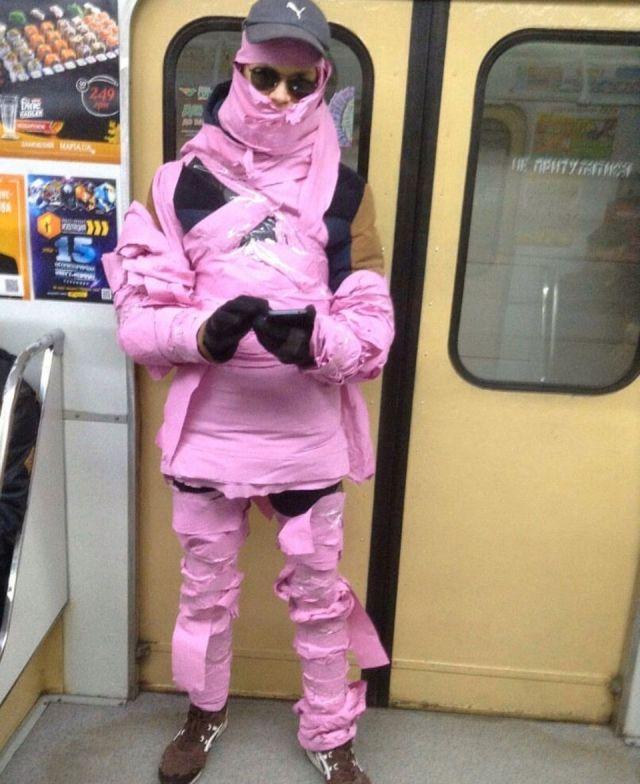 Любители высокой моды из подземки (30 фото)