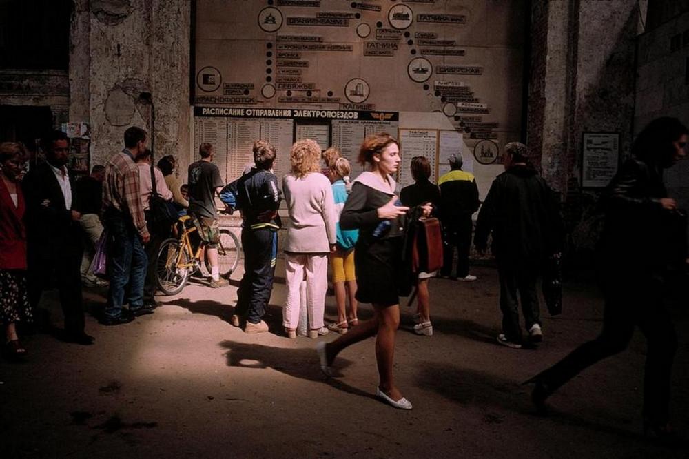 Лихие 90-е в России глазами французского фотографа Лиз Сарфати