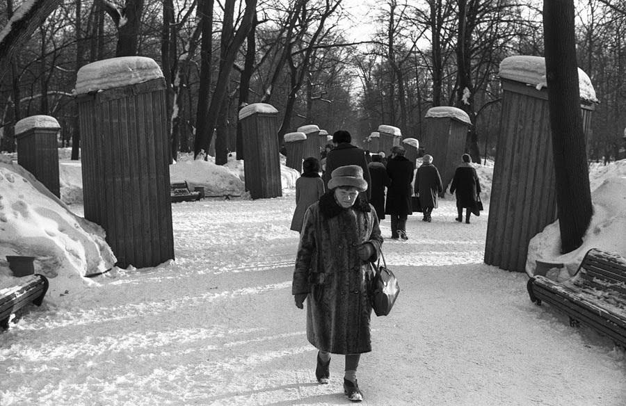"The Lost ""Golden Age"": Documentary Photos of Vladimir Sokolaev"