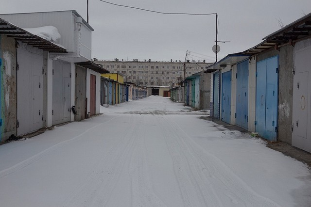 Siberian People Turn Garages Into Mini-Palaces