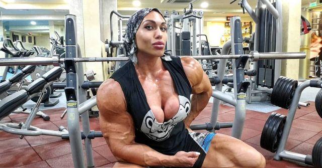 Наталья Кузнецова - чемпионка по бодибилдингу, чьи мышцы больше, чем у ее мужа (15 фото)