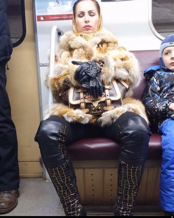 Модники и модницы из метрополитена