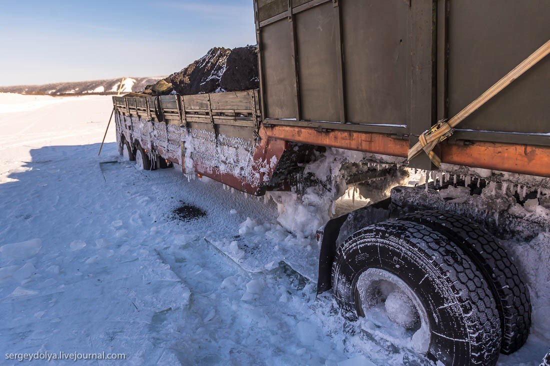 The Worst Nightmare For Truck Drivers In Winter