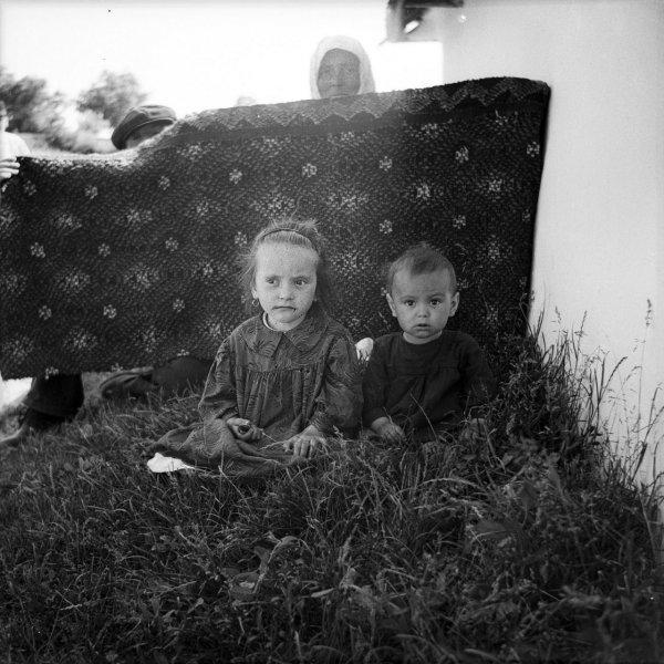 Крестьянский фотоархив: студент нашел сотни снимков молдавского фотографа Захарии Кушнира