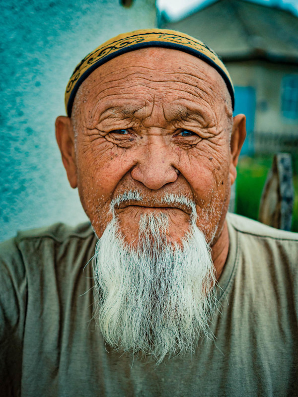 Portraits of People From Kyrgyzstan And The Secret of Their Happiness