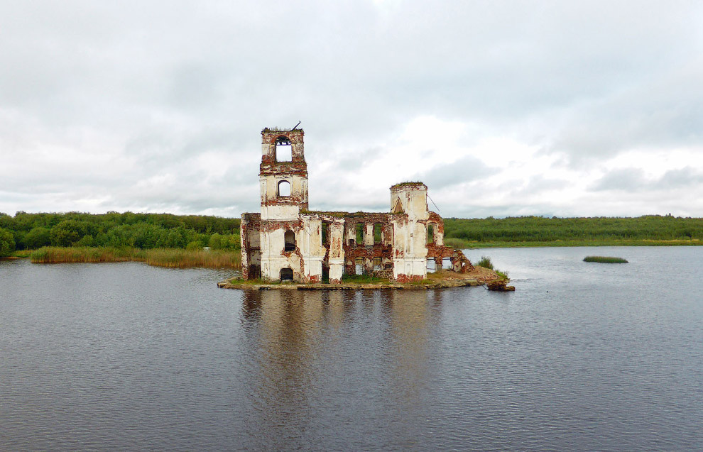 Russian Abandoned Place to Attract Photographers