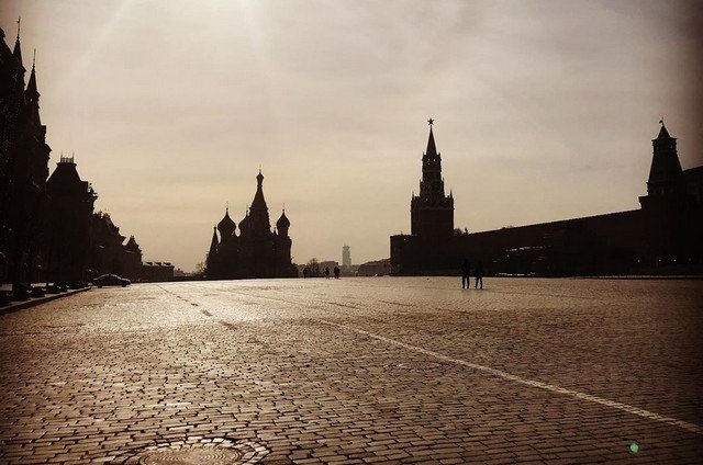 Опустевшая из-за коронавируса Москва