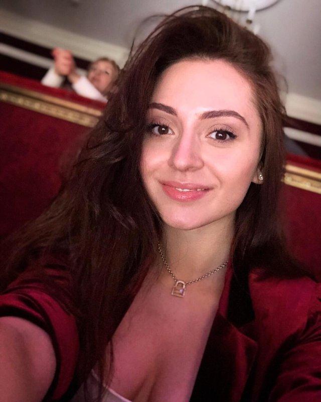 Милена Григорян – красивая помощница депутата Госдумы Сергея Боярского