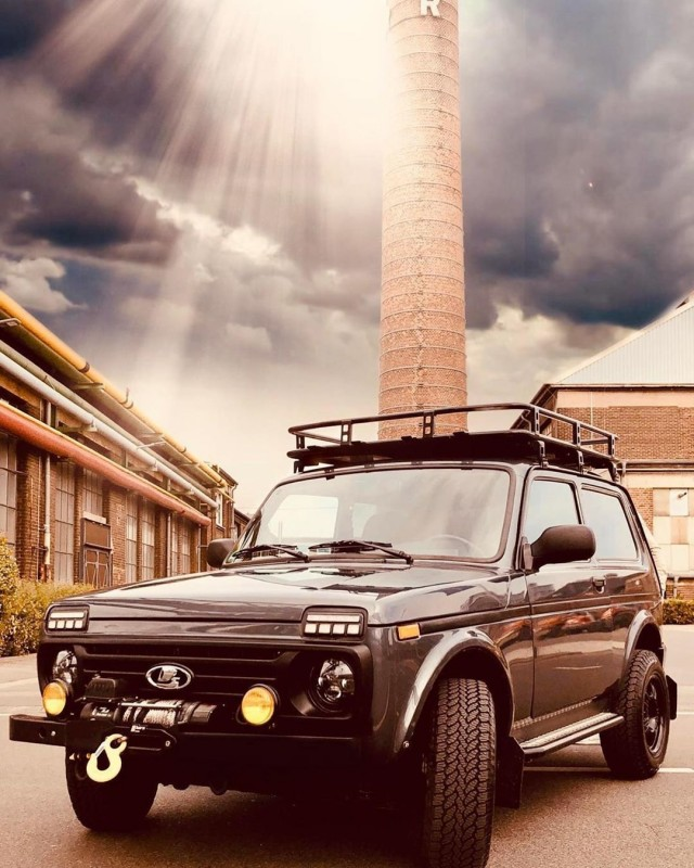 "Race Driver Ralf Schumacher Buys Russian ""Niva"" Car"