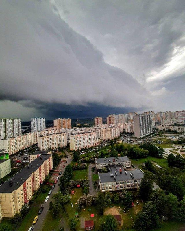 На Петербург обрушился градовый шторм