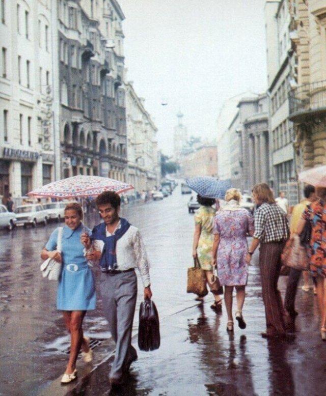 Walking Along Soviet Streets