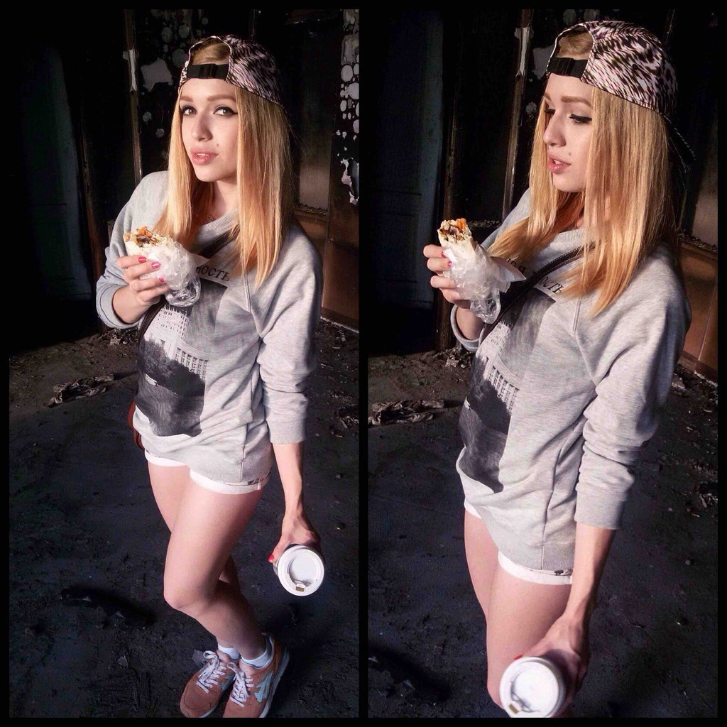 Shawarma Girls - Yummy!
