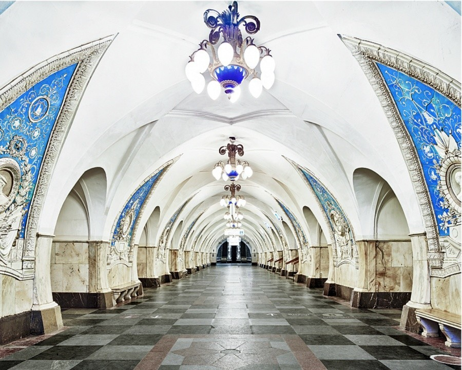 Russian Subway Stations: Beautiful And Empty