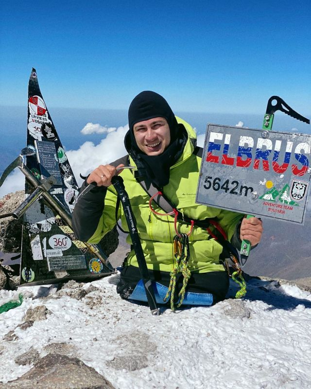 Legless Guy From Russia Conquers Elbrus