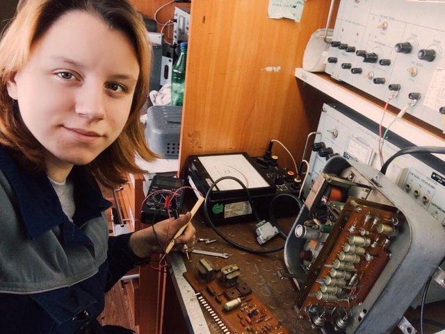 Екатерина Сергеева чинит