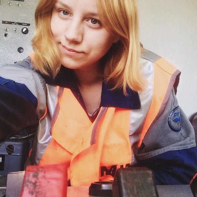 Екатерина Сергеева в рабочей одежде