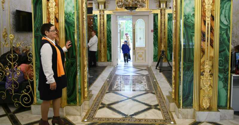 Russian Businessman Turns His Home School Into Palace