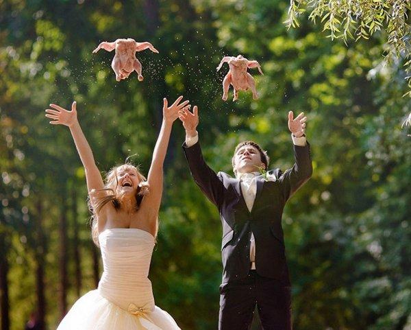 молодожены запускают куриц
