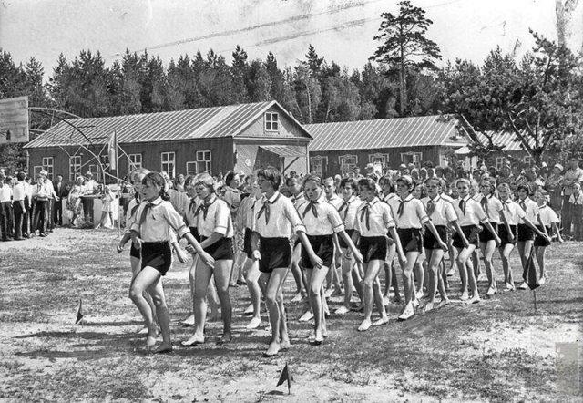 Детство в пионерских лагерях времен СССР