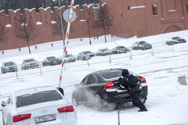 Снегопад века: уровень пробок в Москве 9 баллов в 23.00