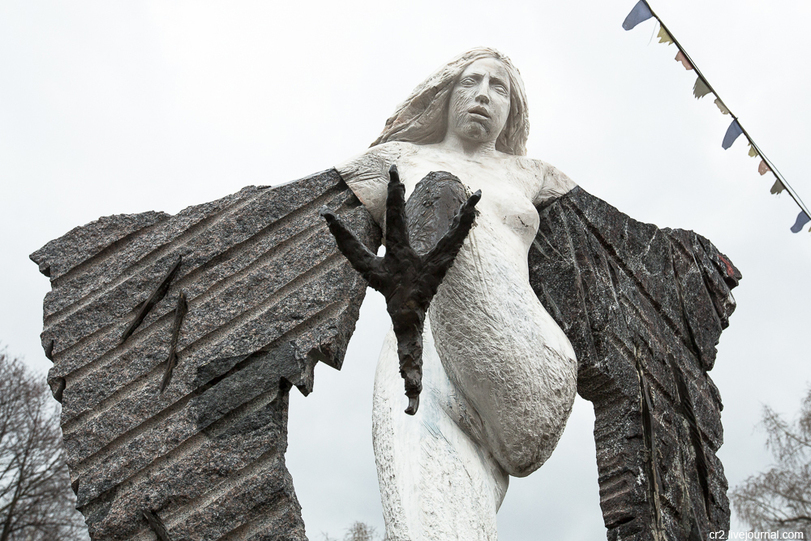 Mother Russia: Another Crazy Sculpture