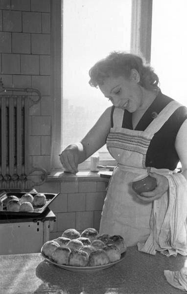 Лидия Смирнова дома Семен Мишин-Моргенштерн, 1956 - 1958 год, г. Москва, МАММ/МДФ.