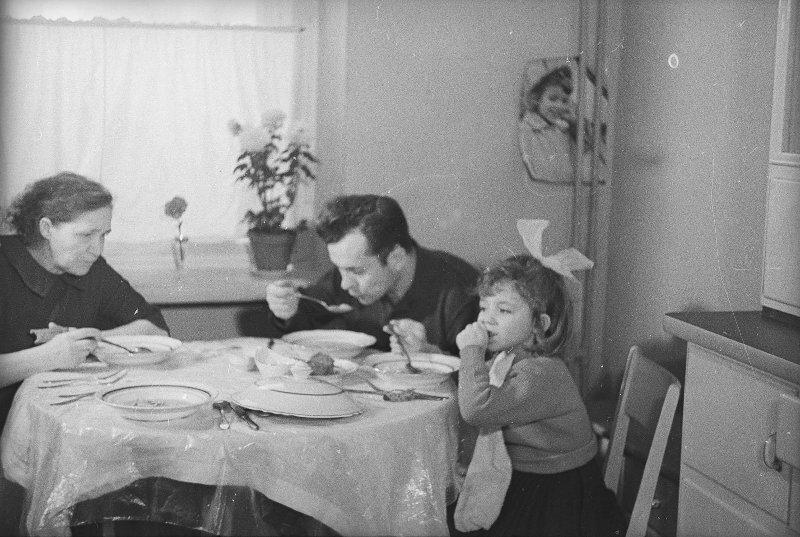 Семья Попович Майя Окушко, 1963 год, МАММ/МДФ.