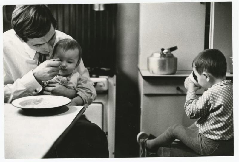Владимир Скольнов - отец семейства Всеволод Тарасевич, 1973 год, г. Ленинград, МАММ/МДФ.