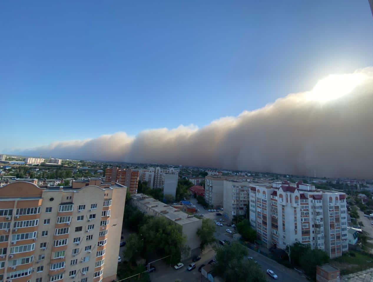 Dust Storm Attacks Astrakhan