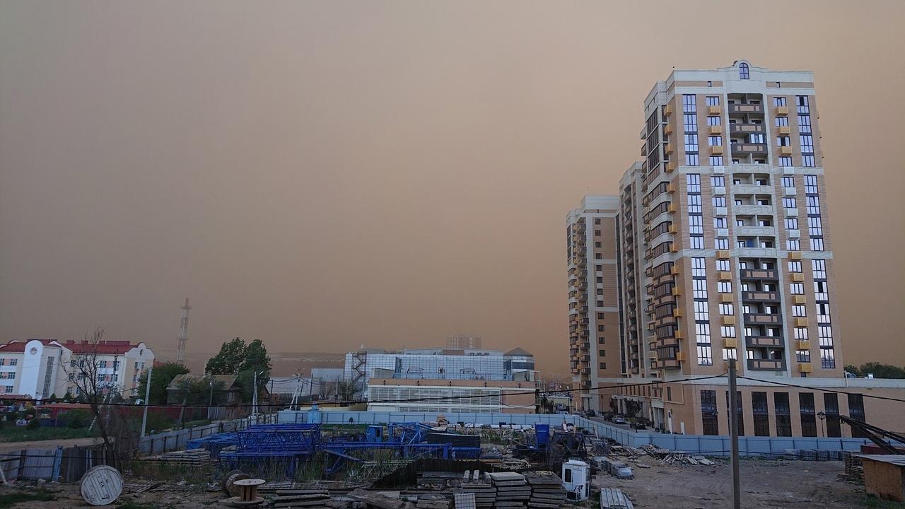 На Астрахань неожиданно налетела пыльная буря   АРБУЗ