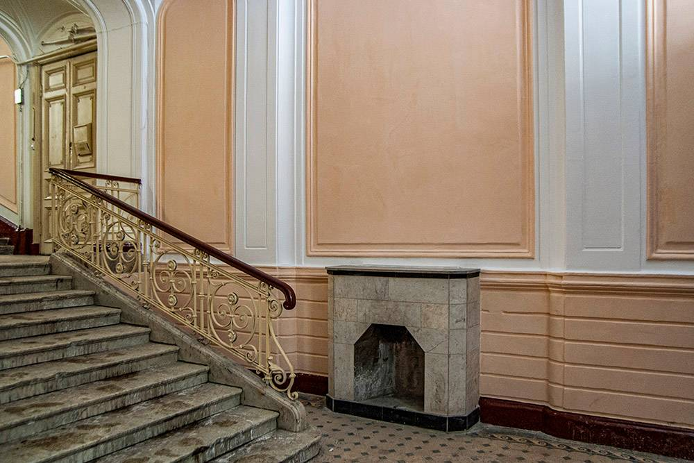 Cupids, Fireplaces and Stained Windows: Inside Beautiful Houses of Saint-Petersburg, Part II